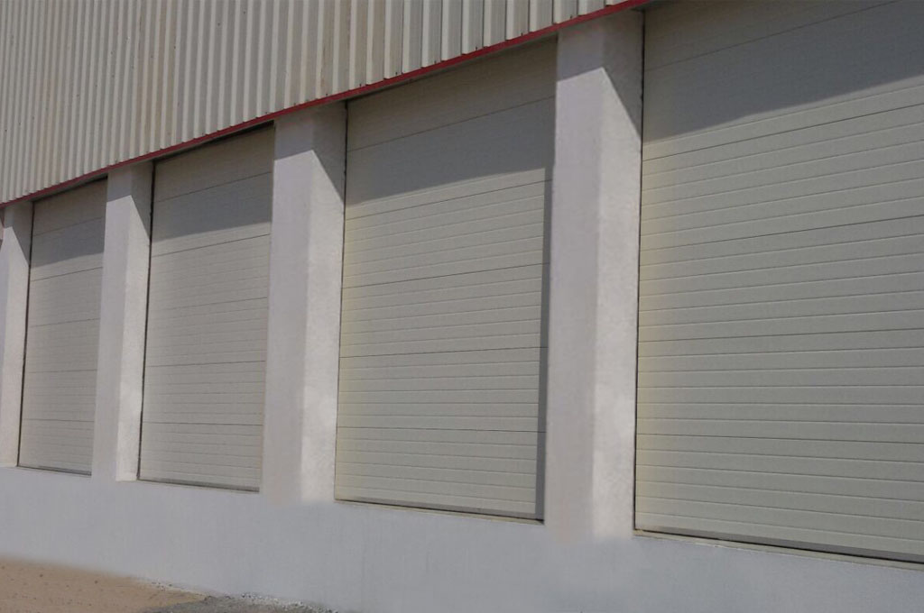 INDUSTRIAL OVERHEAD SECTIONAL DOOR ITALPANNELLI